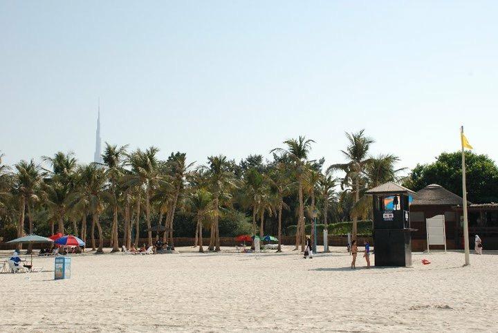 spiaggia con sabbia bianca di Dubai