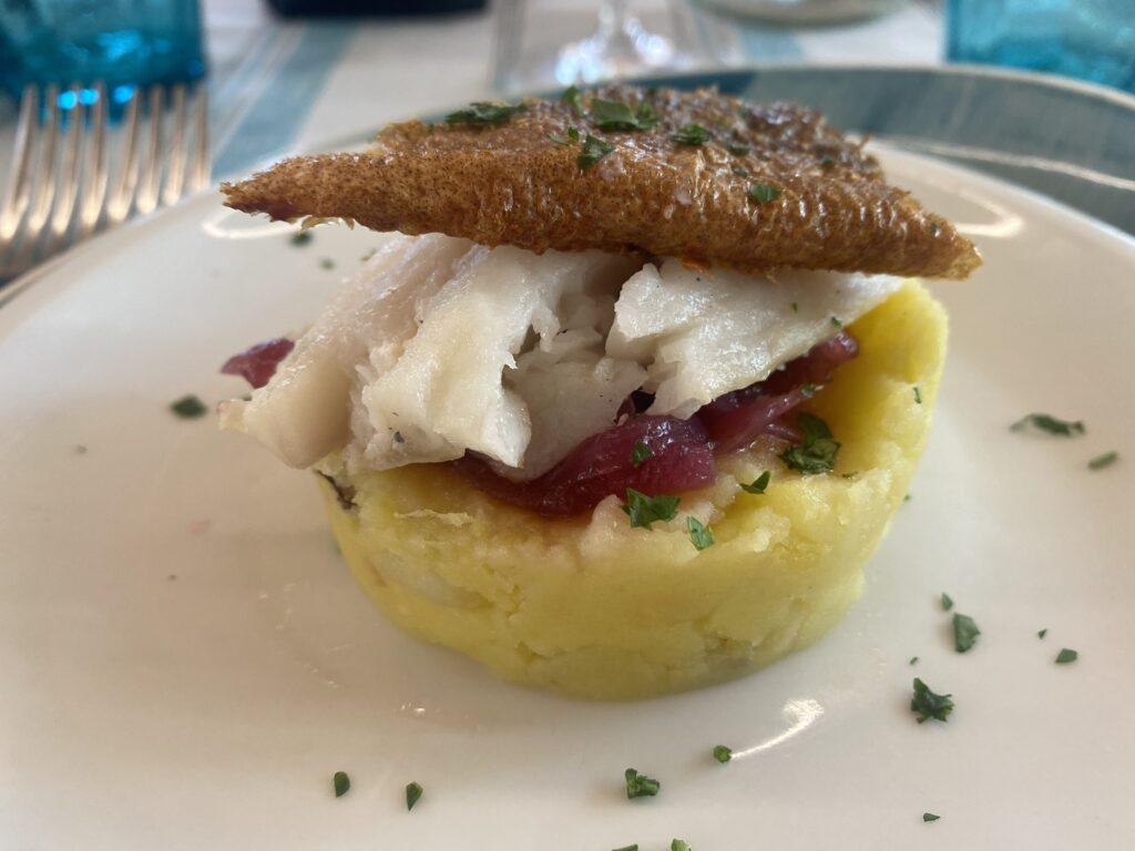 piatto di patate e polpo
