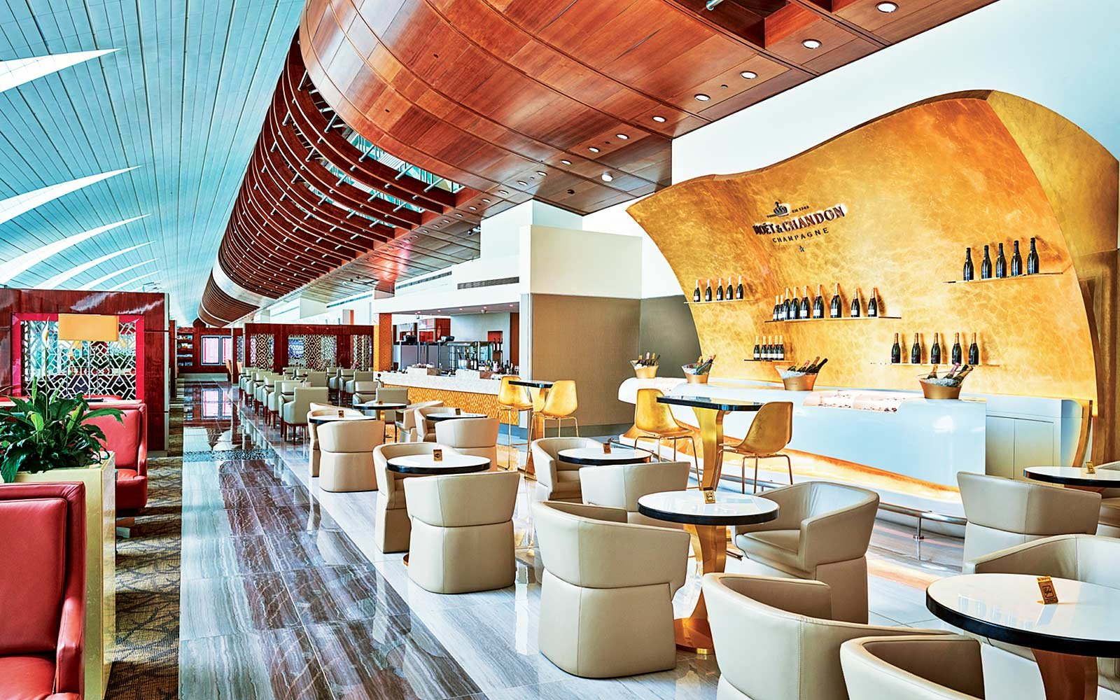 The Emirates First Class lounge a Dubai Airport