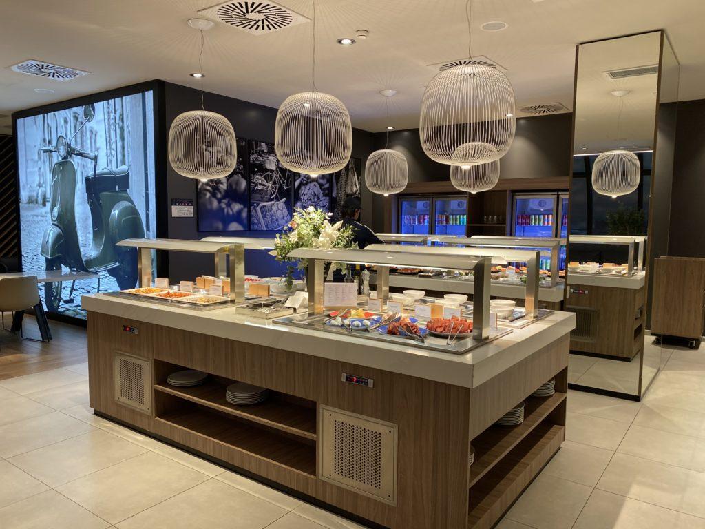 Star Alliance Lounge Fiumicino vista dell'angolo buffet