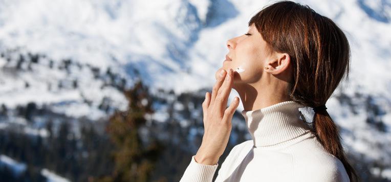 Come prendersi cura della pelle dopo un viaggio al freddo