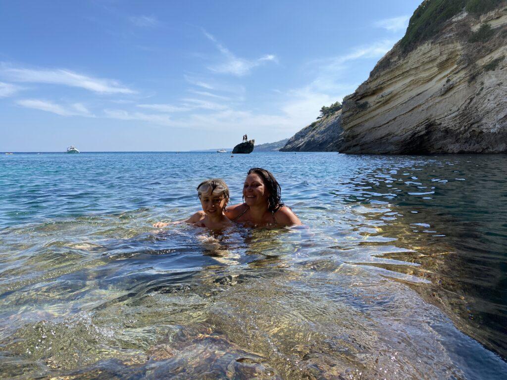 cosa mettere in valigia per una vacanza in Salento? Foto panoramica della baia di Porto Miggione
