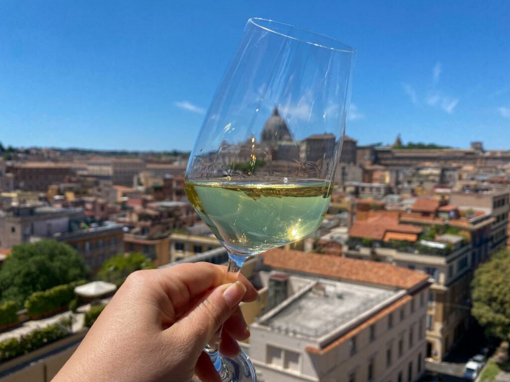 aperitivo al Roof Garden Les Etoiles per festeggiare l'anniversario di matrimonio a Roma