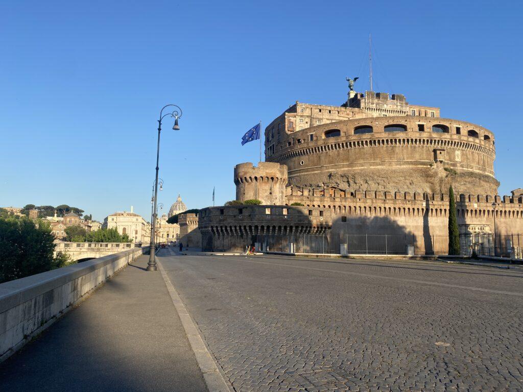 Foto di castel sant Angelo a Roma. Seconda tappa dell'itinerario di 6 km