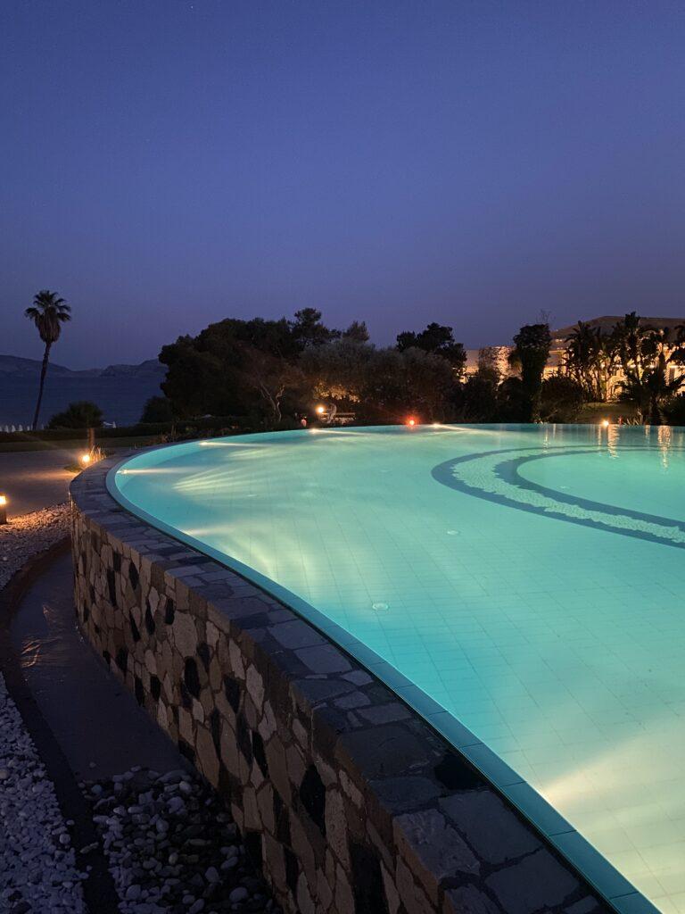 Influencer hotel di lusso: che tipo di contenuti digitali vanno pubblicati per il Turismo di Lusso?