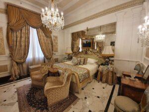 Presidential Suite Giuseppe Verdi del Grand Hotel Majestic già Baglioni.
